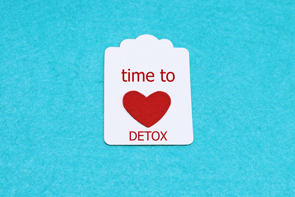 is it dangerous to detox at home - time to detox - valley recovery center