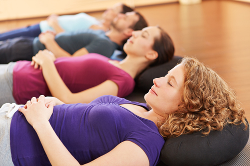 benefits of meditation in addiction recovery - women meditating
