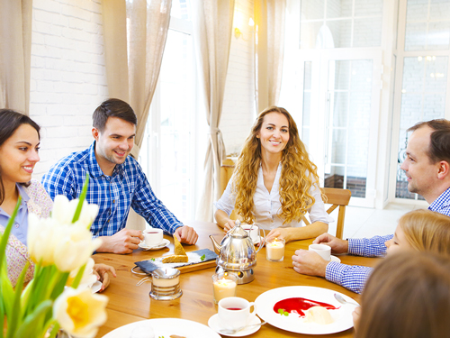 How to Rebuild Trust with Loved Ones After Recovery - family having brunch